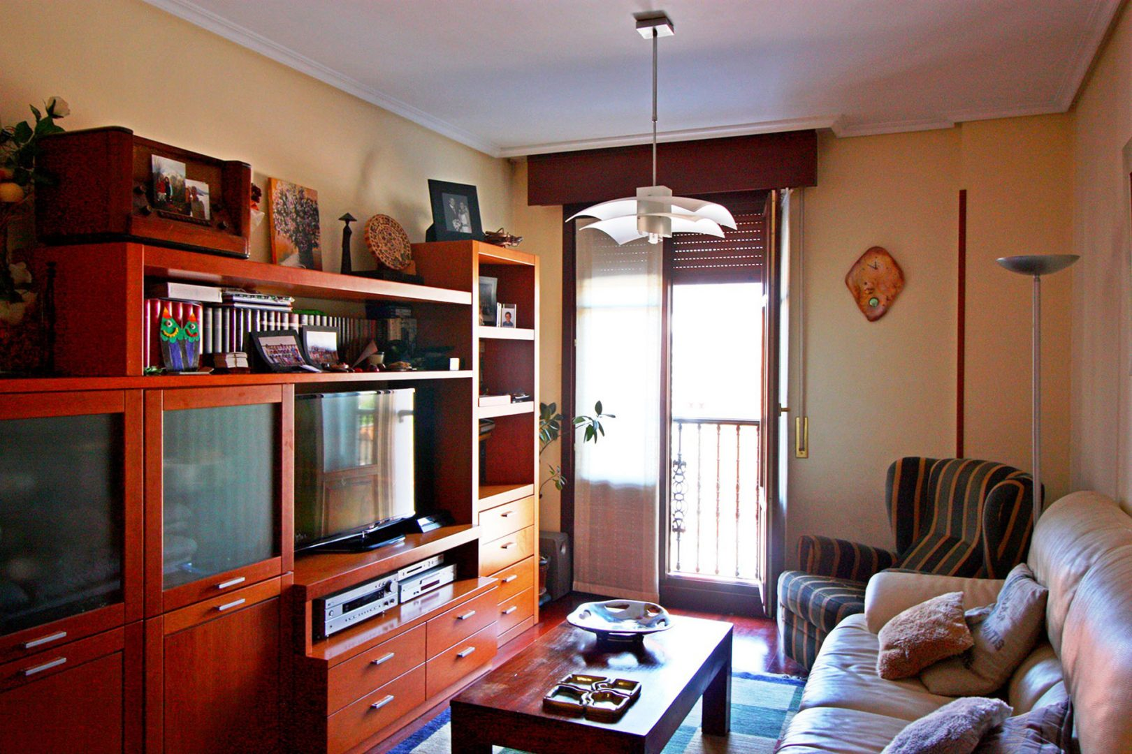 Compar piso en am zola inmobiliaria city - Vivir en un segundo piso ...